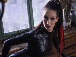 MysticLuna wet webcam model