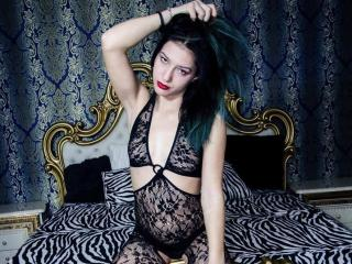 Picture of the sexy profile of AngelChaude69, for a very hot webcam live show !