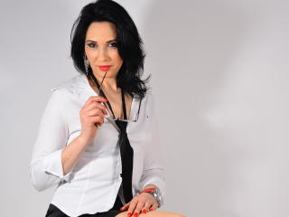 Picture of the sexy profile of SensuousElla, for a very hot webcam live show !