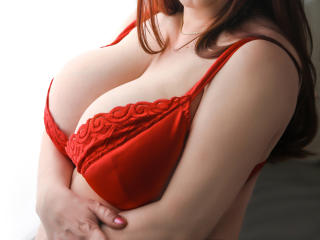 Photo de profil sexy du modèle SugarBoobsX, pour un live show webcam très hot !