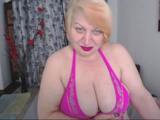 Picture of the sexy profile of XLustyMature, for a very hot webcam live show !