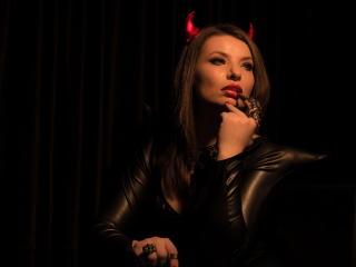 AnastasiaDomme - 在XloveCam?欣賞性愛視頻和熱辣性感表演
