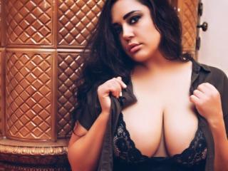 BigBoobsBikendra sexy webcam performer