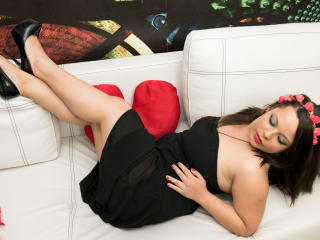 MayssaShemale strap on webcam show