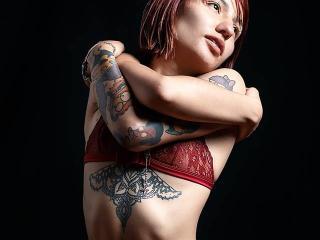 Hình ảnh đại diện sexy của người mẫu AshleyHott69 để phục vụ một show webcam trực tuyến vô cùng nóng bỏng!