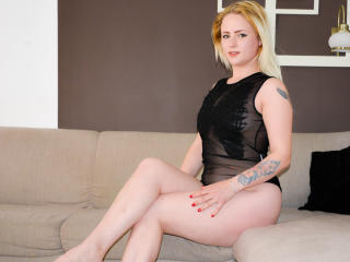 Photo de profil sexy du modèle Barbra, pour un live show webcam très hot !