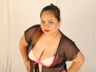 Picture of the sexy profile of BellyLiciousX, for a very hot webcam live show !