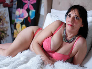 Picture of the sexy profile of CarlaMilles, for a very hot webcam live show !