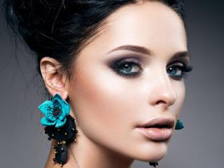 Foto de perfil sexy de la modelo CiparisLight, ¡disfruta de un show webcam muy caliente!