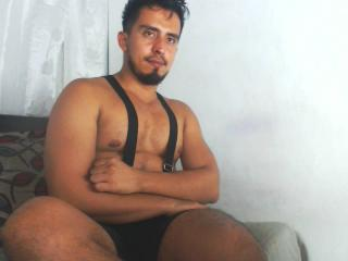 Picture of the sexy profile of DanielBigDick, for a very hot webcam live show !