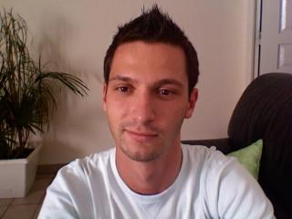 Picture of the sexy profile of Franck, for a very hot webcam live show !