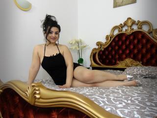 Model GennaDelRay'in seksi profil resmi, çok ateşli bir canlı webcam yayını sizi bekliyor!