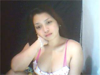 Photo de profil sexy du modèle Isabella69X, pour un live show webcam très hot !