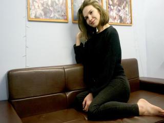 Foto de perfil sexy de la modelo JudyShine, ¡disfruta de un show webcam muy caliente!