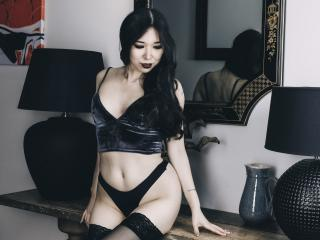 LilaNuah - Webcam live sexy with this shaved sexual organ Hot babe