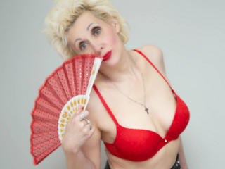 Picture of the sexy profile of MartaMarple, for a very hot webcam live show !