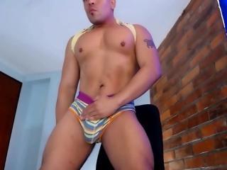 Foto de perfil sexy de la modelo MatthewCole, ¡disfruta de un show webcam muy caliente!