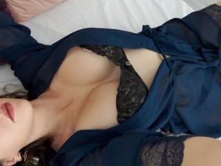 Hình ảnh đại diện sexy của người mẫu nikydiamondd để phục vụ một show webcam trực tuyến vô cùng nóng bỏng!