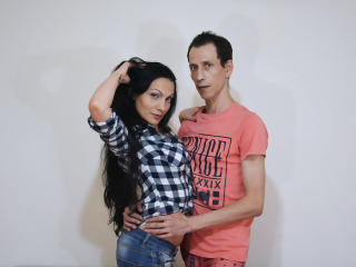 Photo de profil sexy du modèle ONaughtyCouple, pour un live show webcam très hot !