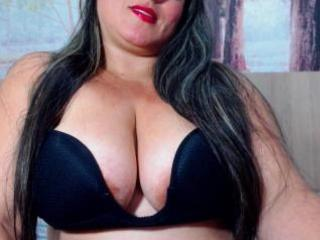 Picture of the sexy profile of SarayFetishBBW, for a very hot webcam live show !