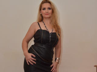 Picture of the sexy profile of SensualKaryna, for a very hot webcam live show !