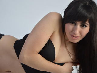 Picture of the sexy profile of WomenNeverCry, for a very hot webcam live show !