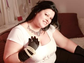 Photo de profil sexy du modèle XBeautyDoll, pour un live show webcam très hot !