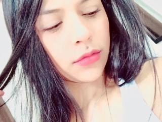Foto de perfil sexy de la modelo YayitaX, ¡disfruta de un show webcam muy caliente!