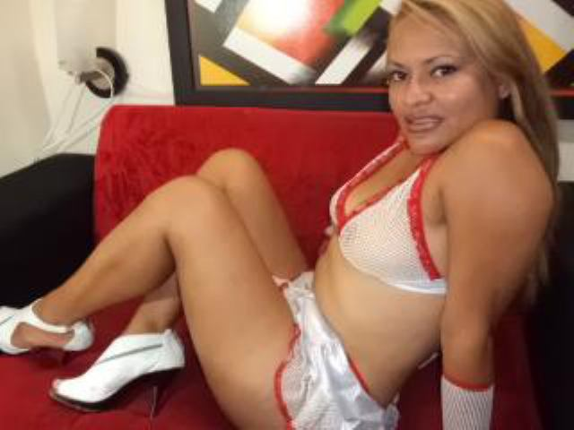Picture of the sexy profile of AngySexyLady, for a very hot webcam live show !