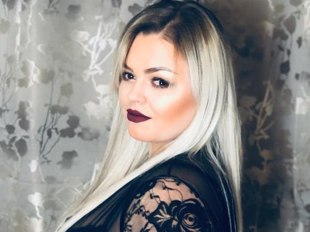 Foto de perfil sexy de la modelo DevilLady, ¡disfruta de un show webcam muy caliente!