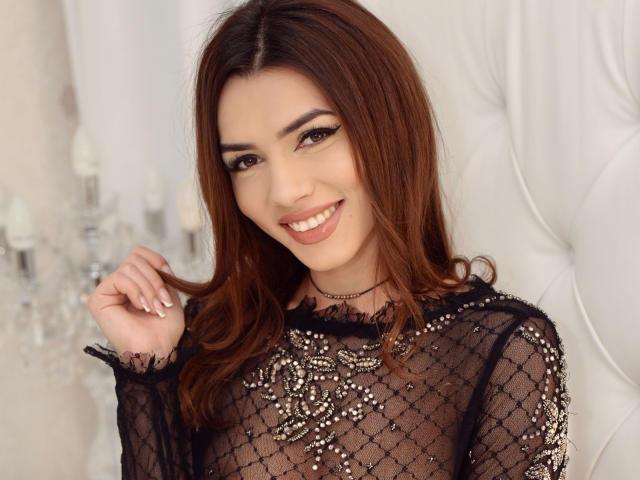 Photo de profil sexy du modèle GlloryLyzzy, pour un live show webcam très hot !