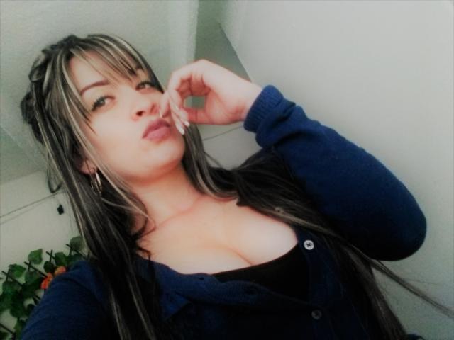 Foto del profilo sexy della modella HottiAss, per uno show live webcam molto piccante!