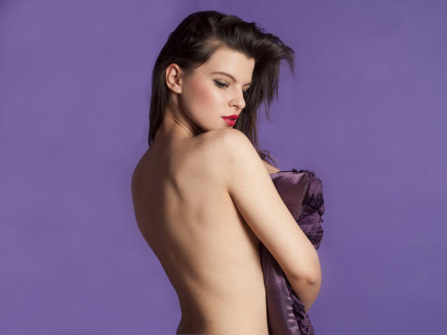 Picture of the sexy profile of JolyAmy, for a very hot webcam live show !