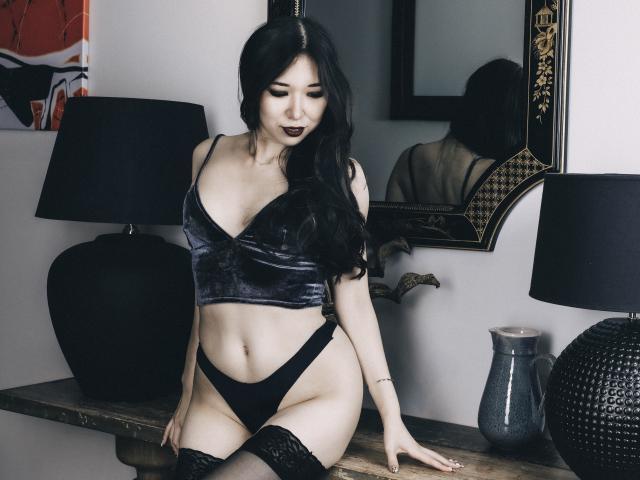 Velmi sexy fotografie sexy profilu modelky LilaNuah pro live show s webovou kamerou!