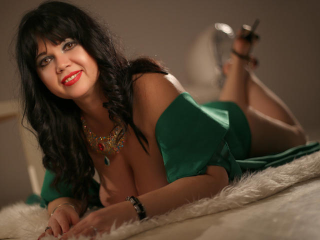 Foto de perfil sexy de la modelo MatureVivian, ¡disfruta de un show webcam muy caliente!