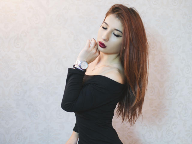 Photo de profil sexy du modèle MayraMi, pour un live show webcam très hot !