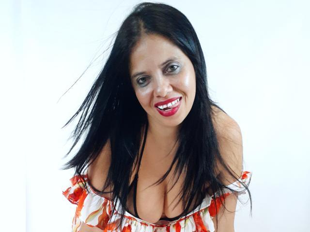 Foto de perfil sexy de la modelo OlivaFoxy, ¡disfruta de un show webcam muy caliente!