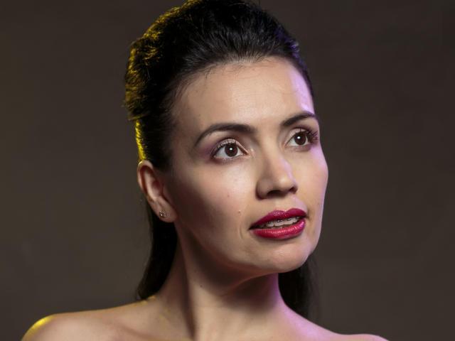 Model PaprikaxU'in seksi profil resmi, çok ateşli bir canlı webcam yayını sizi bekliyor!