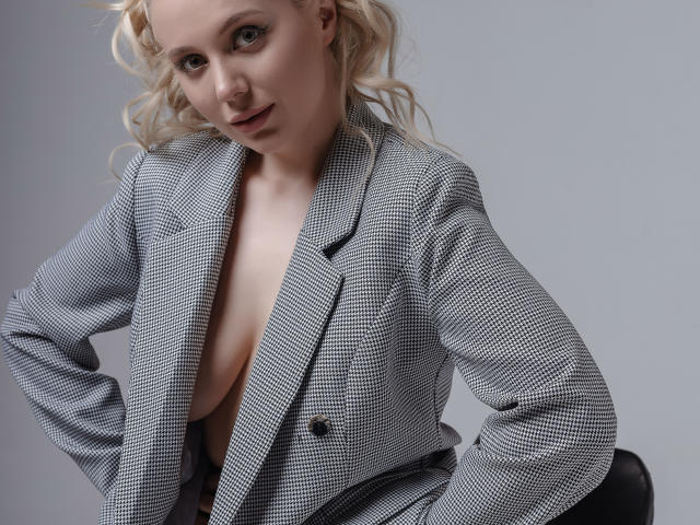 Model ProvenceRose'in seksi profil resmi, çok ateşli bir canlı webcam yayını sizi bekliyor!