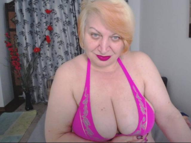 Photo de profil sexy du modèle XLustyMature, pour un live show webcam très hot !