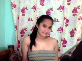 SexyIcy - Sexy live show with sex cam on XloveCam