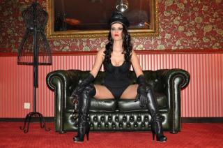 MaitresseVelour - Sexy live show with sex cam on XloveCam