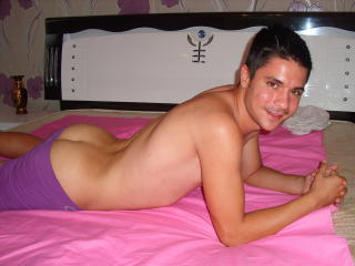 BonAventure - Sexy live show with sex cam on XloveCam