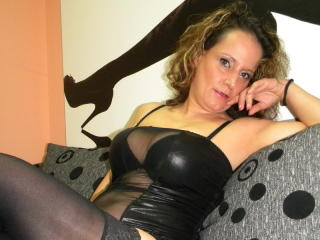 BeatriceMylf - Sexy live show with sex cam on XloveCam