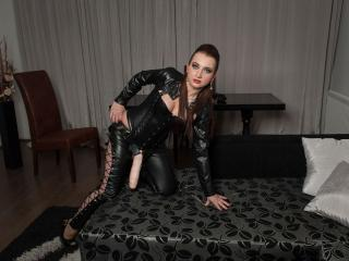 MistressJulie - Sexy live show with sex cam on XloveCam
