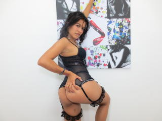 SweetyBrandyy - Sexy live show with sex cam on XloveCam