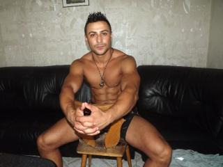JulianoMuscle - Sexy live show with sex cam on XloveCam