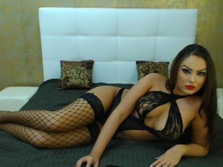 AnalQueeny - Sexy live show with sex cam on XloveCam