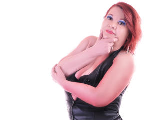 LucilleForYou - Live chat hot avec cette Camgirl mature occidentale