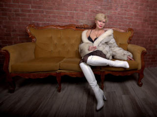 IrenaSex - Live hard with a Mature with average hooters